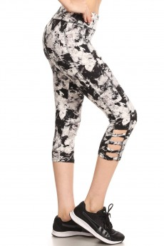 BLACK/WHITE ABSTRACT PRINT CAPRIS W/ BOTTOM SIDE CROSS STRAPS#7CP06-11