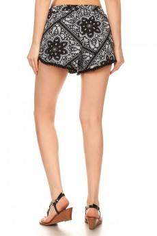 BLACK/WHITE HANKERCHIEF PRINT BRUSH POLY POMPOM SHORTS W/ TASSEL#7SH21-03